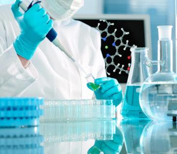 Cuộc sống muôn màu quanh phòng xét nghiệm ADN